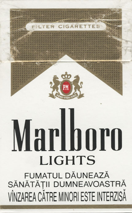 Light menthol cigarettes Marlboro Ireland